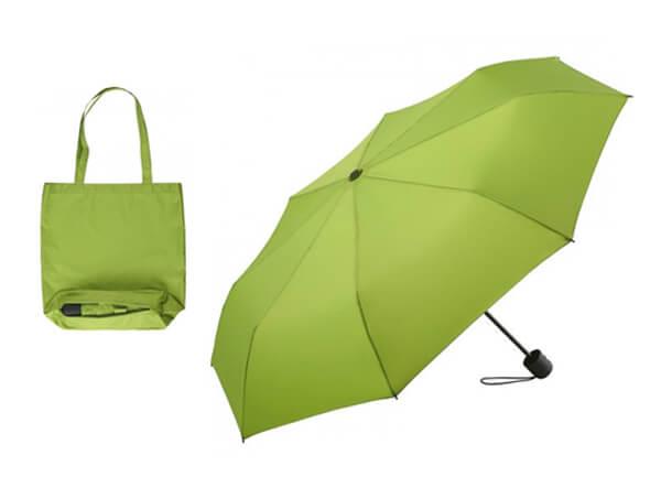 Grüner Taschenschirm aus recyceltem Material